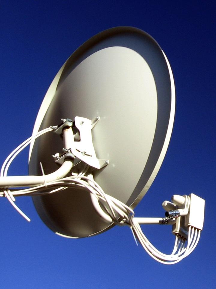 Hotspot vs Satellite Internet